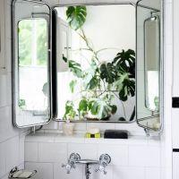 Zoom sur le miroir de barbier for Miroir 2 metres