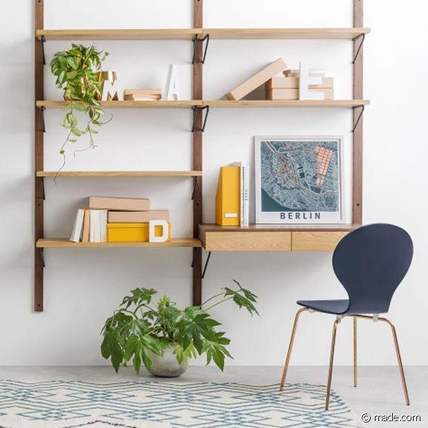 L'étagère modulable : une option discrète pour dissimuler un bureau !