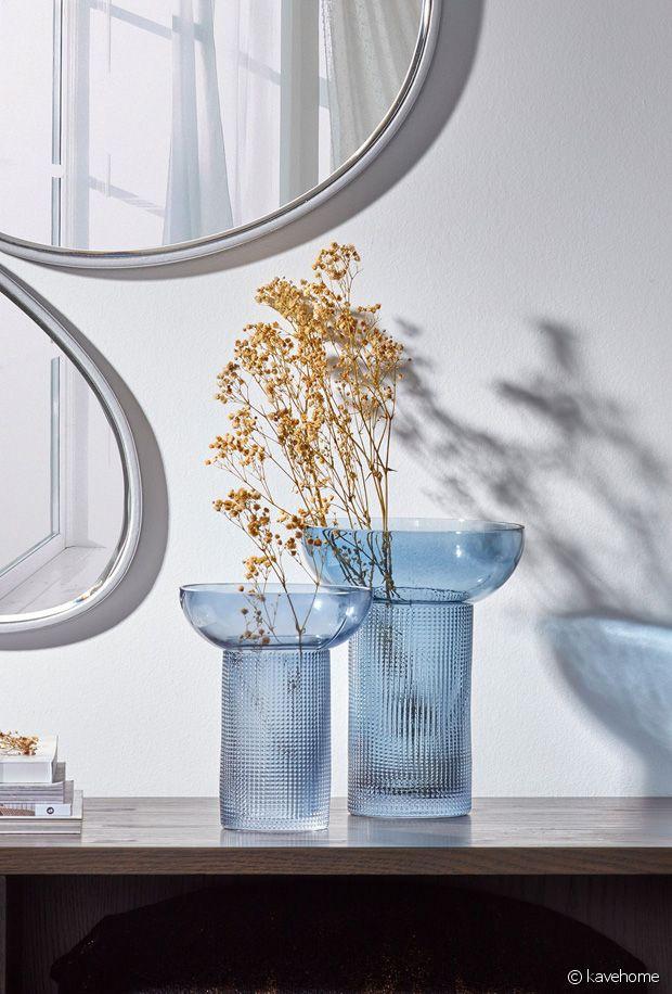 Quelles beautés ces vases en verre bleutés signés Kave Home