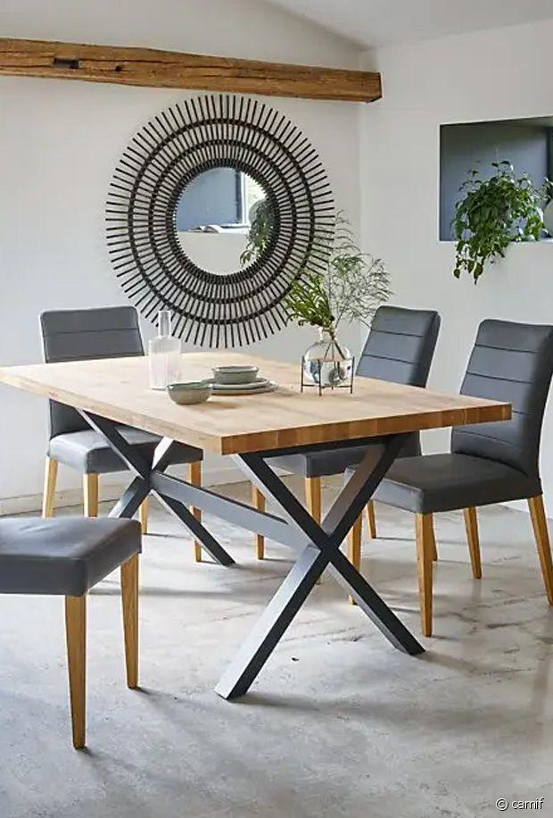 Une belle table de repas qui peut trouver sa place dans une cuisine comme dans une salle à manger