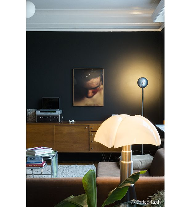 zoom sur la lampe pipistrello. Black Bedroom Furniture Sets. Home Design Ideas