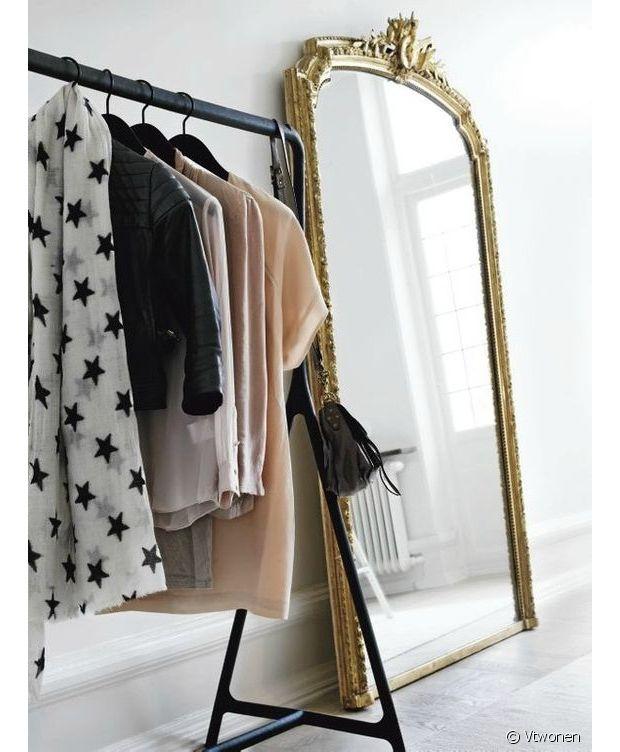 grand miroir s lection de mod les pour la chambre. Black Bedroom Furniture Sets. Home Design Ideas