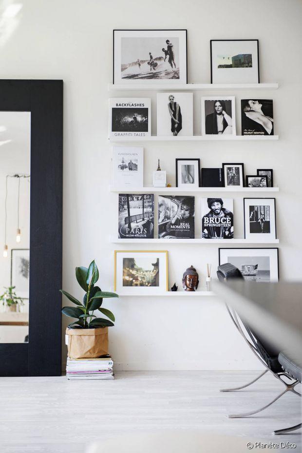 plusieurs miroirs sur un mur en forme de fleur de soleil de pomme le miroir en rotin s miroir. Black Bedroom Furniture Sets. Home Design Ideas