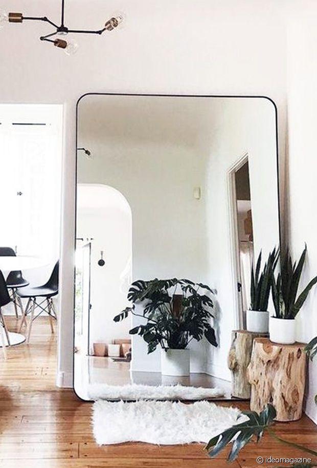 Le miroir XXL : idéal pour donner l'impression d'ouvrir sur une autre pièce