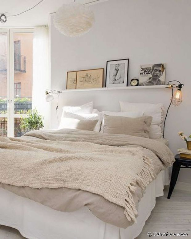 la photo au dessus du lit