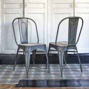 Chaise en métal brossé et bois de pin recyclé...